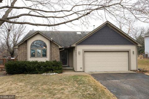 Photo of 8889 Pinehurst Rd, Woodbury, MN 55125