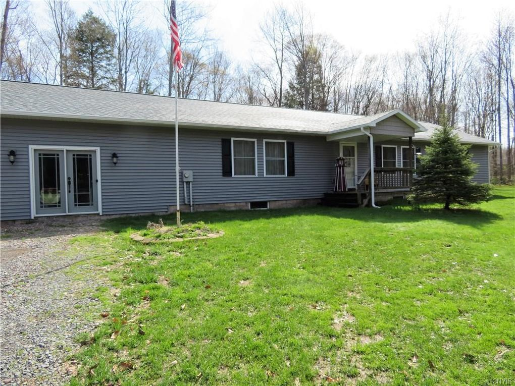 35 Woody Dr, West Monroe, NY 13167