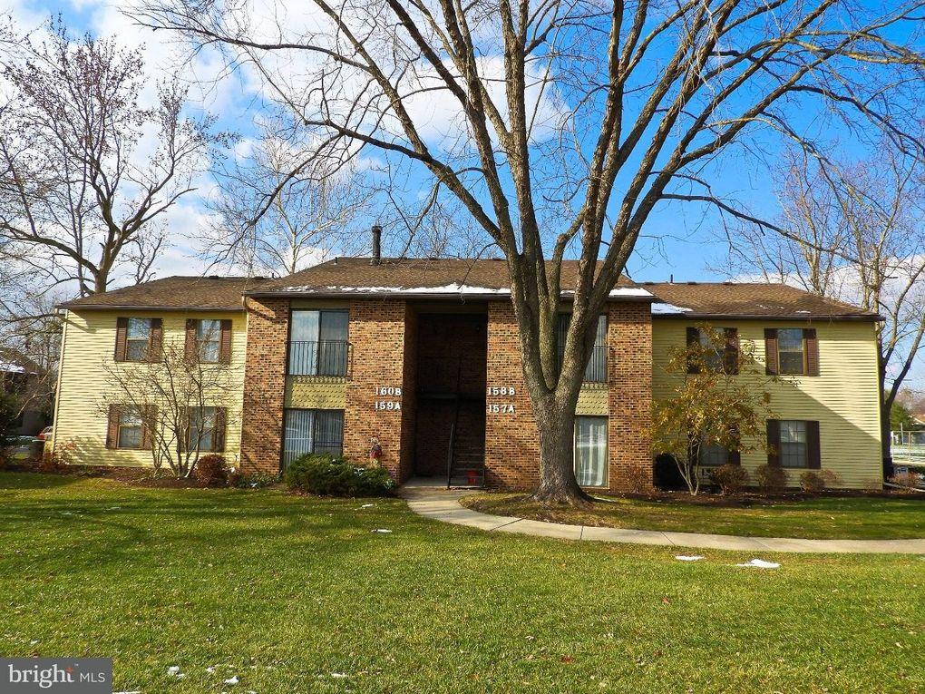 Outstanding 158 B Birchfield Ct Mount Laurel Nj 08054 Realtor Com Home Interior And Landscaping Oversignezvosmurscom