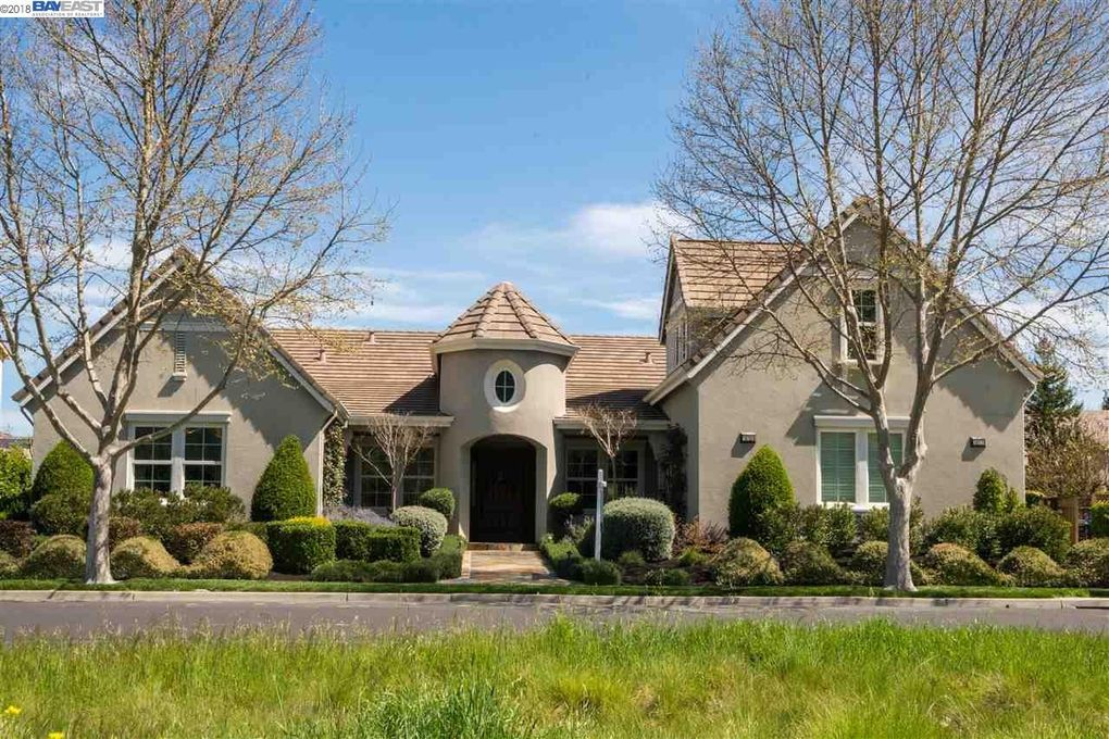 1615 Laguna Creek Ln, Pleasanton, CA 94566