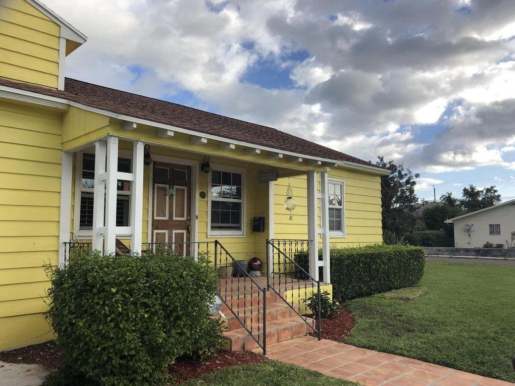 702 11th Ave N, Lake Worth, FL 33460