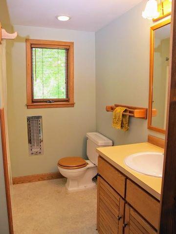 Bathroom Remodel Northampton Ma 54 ryan rd, northampton, ma 01062 - realtor®