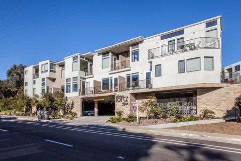 3244 Nimitz Blvd Unit 8, San Diego, CA 92106