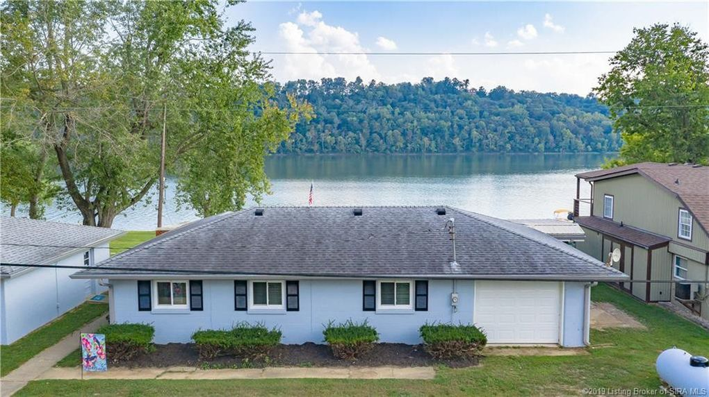 228 River Rd W, Charlestown, IN 47111