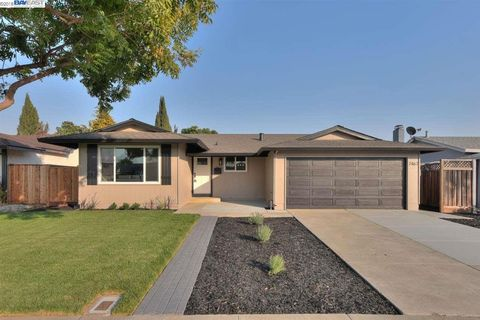 2467 Becket Dr, Union City, CA 94587