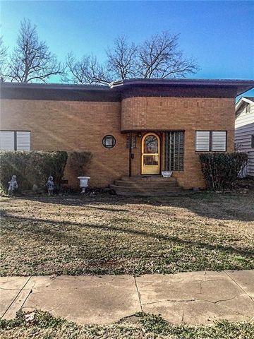 403 W Choctaw St, Lindsay, OK 73052