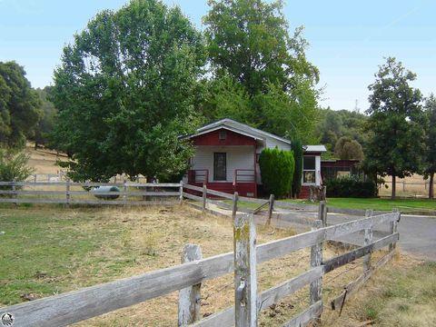 Photo of 18333 Apple Colony Rd, Tuolumne, CA 95379