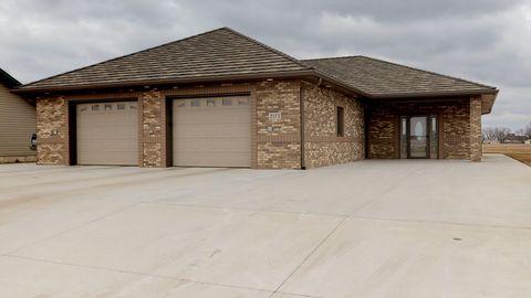 Photo of 2572 Prairie Green Dr, Huron, SD 57350