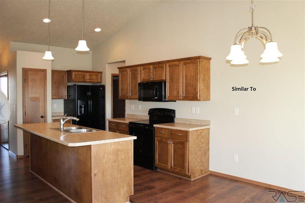 6109 W Maxwell Ct, Sioux Falls, SD 57107