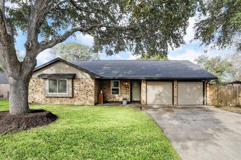 642 Bending Oaks Dr, Bellville, TX 77418