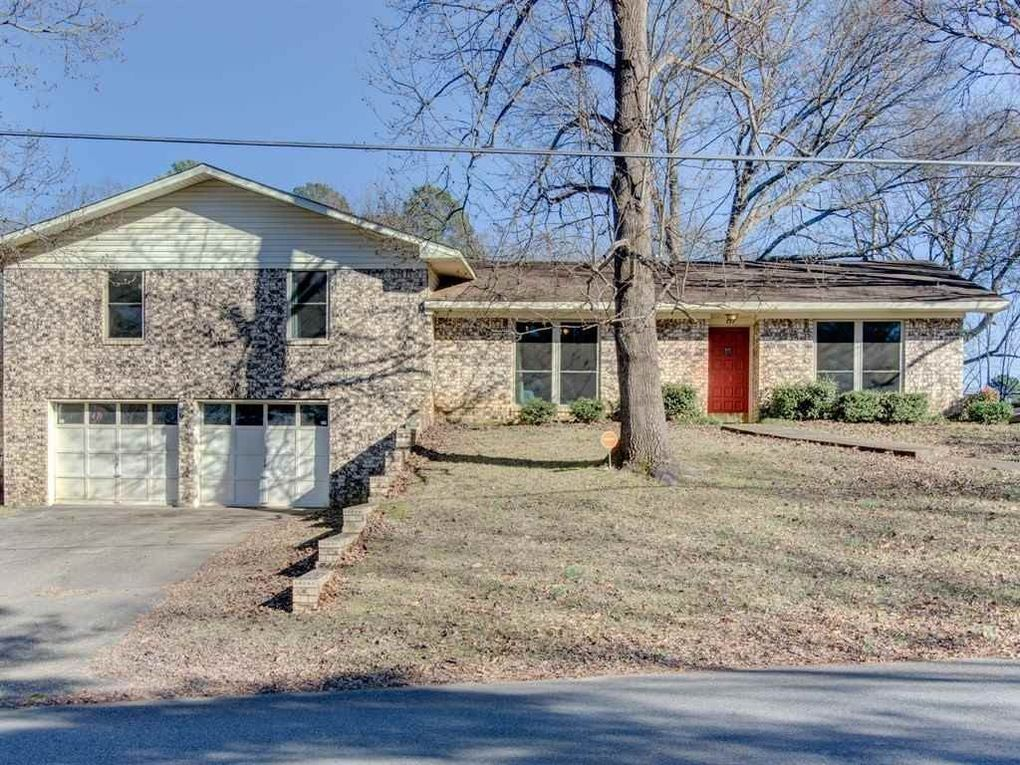 117 Village Rd, Hot Springs, AR 71913