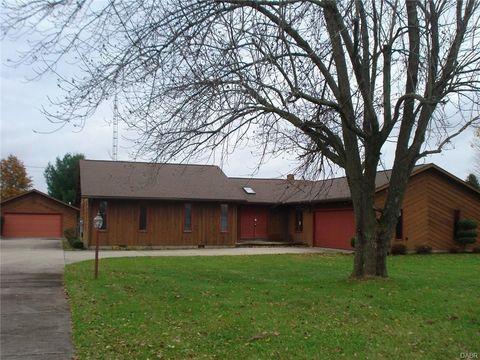 2912 S Burnett Rd, Springfield, OH 45505