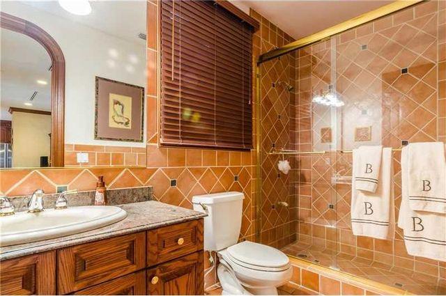 131 Paloma Dr, Coral Gables, FL 33143 - Bathroom