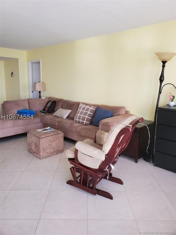 230 174th St Apt 905 Sunny Isles Beach, FL 33160
