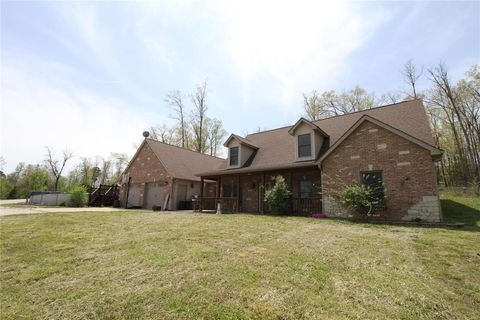 16519 E State Highway 8, Mineral Point, MO 63660