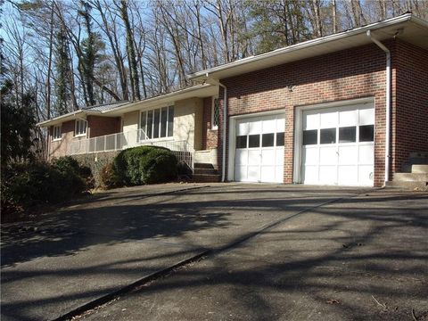 Photo of 564 Riverview Dr, Charlton Heights, WV 25040