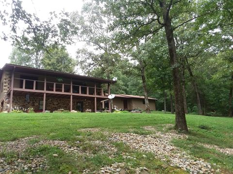 Photo of 320 Nelson Ln, Grantsburg, IL 62943