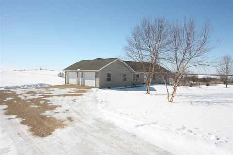 Photo of 2657 Clay Hollow Rd, Cuba City, WI 53807