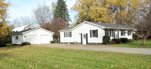Photo of 23 Smith St, Coldwater, MI 49036