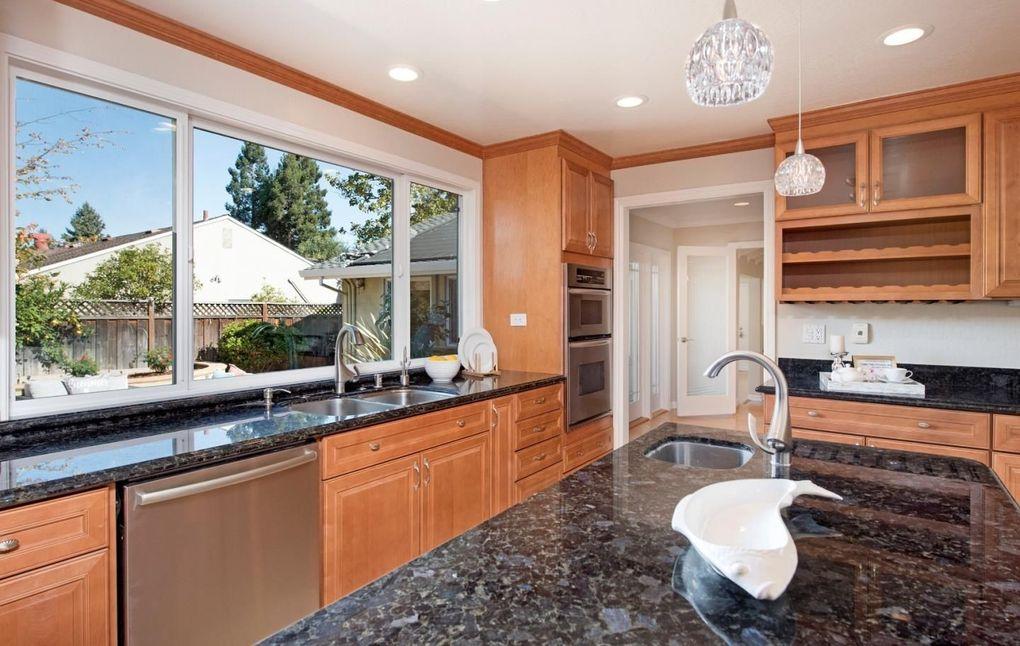 695 Berry Ave, Los Altos, CA 94024