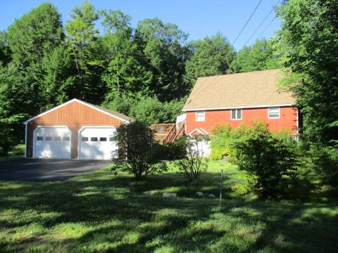 Photo of 13 W Hill Pl, Barnstead, NH 03225