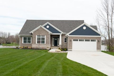 Photo of 10 Wagon Wheel Cir, Jackson Township, OH 45171