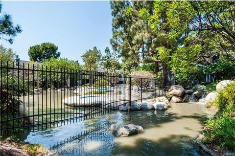 25639 Pine Creek Ln, Wilmington, CA 90744