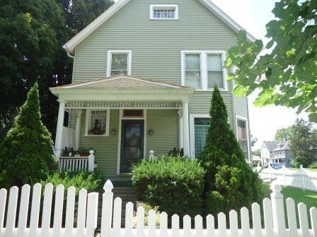 105 E Van Buren St, Ottawa, IL 61350