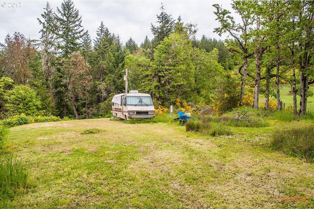 1679 Bar L Ranch Rd, Glide, OR 97443