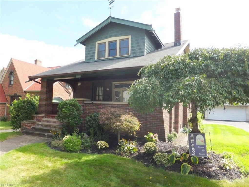 4713 Landchester Rd Cleveland, OH 44109