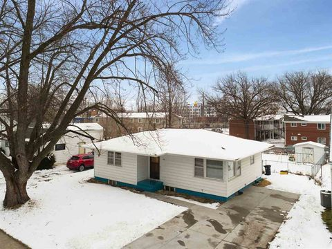 611 3rd Ave, Coralville, IA 52241