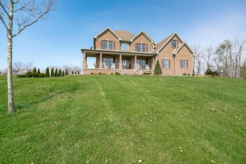 Photo of 472 Locust Fork Rd, Stamping Ground, KY 40379