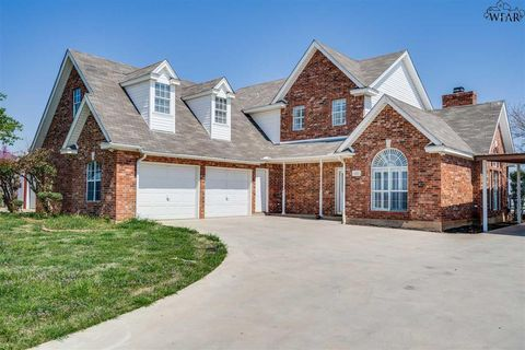 Photo of 4227 Country Meadows Dr, Iowa Park, TX 76367