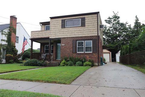 Photo of 230 Andrews Rd, Mineola, NY 11501
