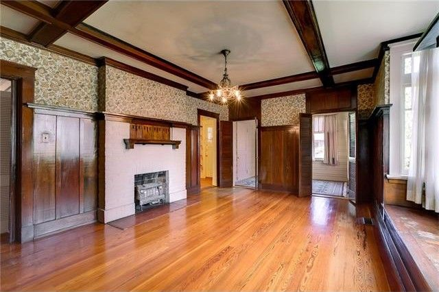 House Rental With Large Living Room In New Orleans