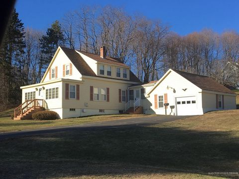 Photo of 16 Lincoln St, Dexter, ME 04930