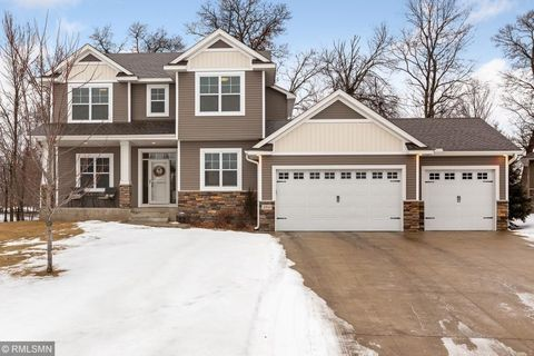 Photo of 2511 224th Ave Nw, Oak Grove, MN 55011