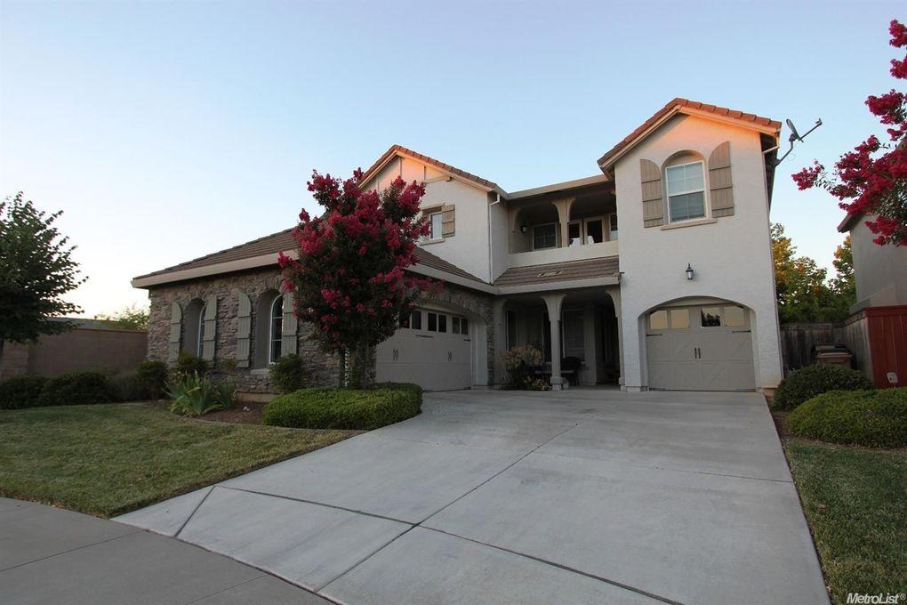 9821 Partington Cir Elk Grove, CA 95757