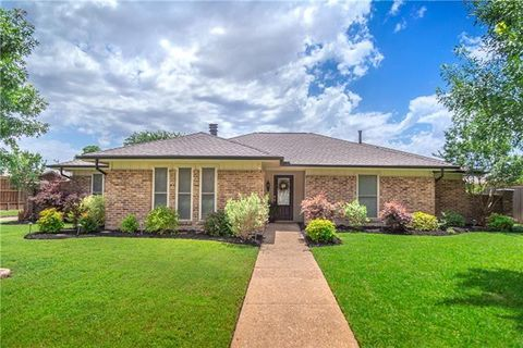 Photo of 3904 Grifbrick Dr, Plano, TX 75075
