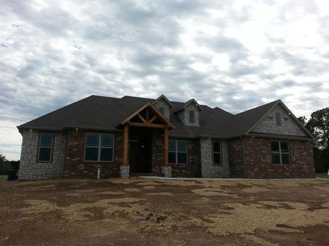 274 Lilac Ln, Clever, MO 65631