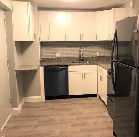 69 Milliken Ave Unit 2 A, Franklin, MA 02038