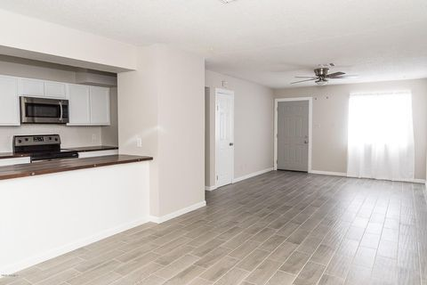 6736 W Hazelwood St, Phoenix, AZ 85033