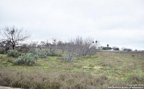 Photo of 201 Community Rd, Carrizo Springs, TX 78834