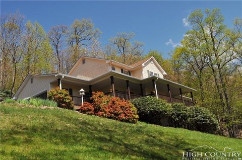 Photo of 544 Algonquin Dr, Boone, NC 28607