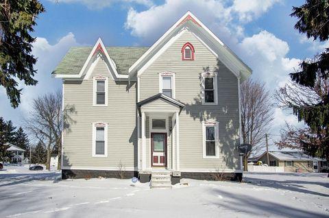 Photo of 212 W Central Ave, Lagrange, IN 46761