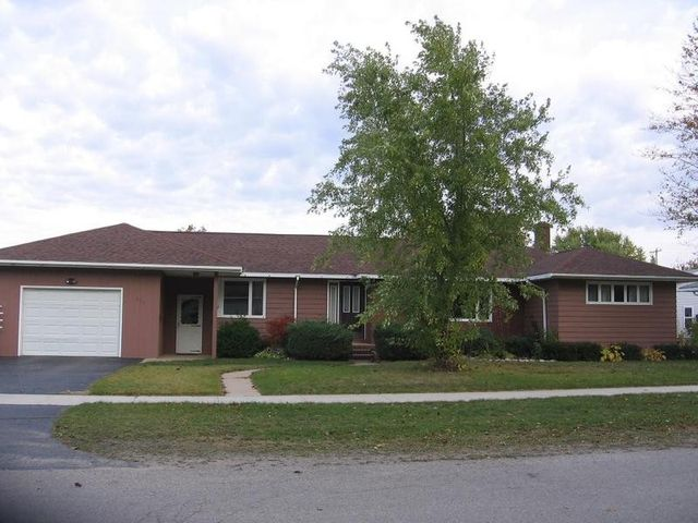 424 s 7th st rogers city mi 49779 home for sale and real estate listing. Black Bedroom Furniture Sets. Home Design Ideas