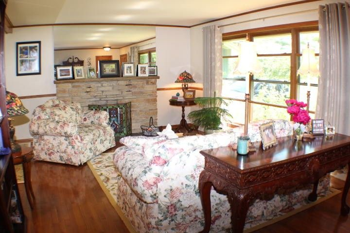 1032 Woodland Rd, Kohler, WI 53044