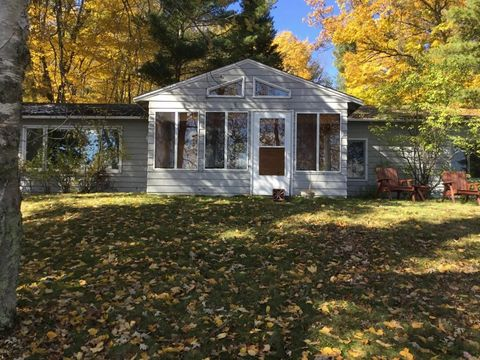Photo of 21527 S Smokey Hollow Rd, Emily, MN 56662