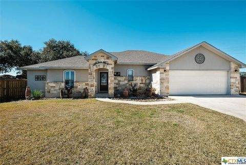 Photo of 584 Bonita Creek Dr, Pleasanton, TX 78064