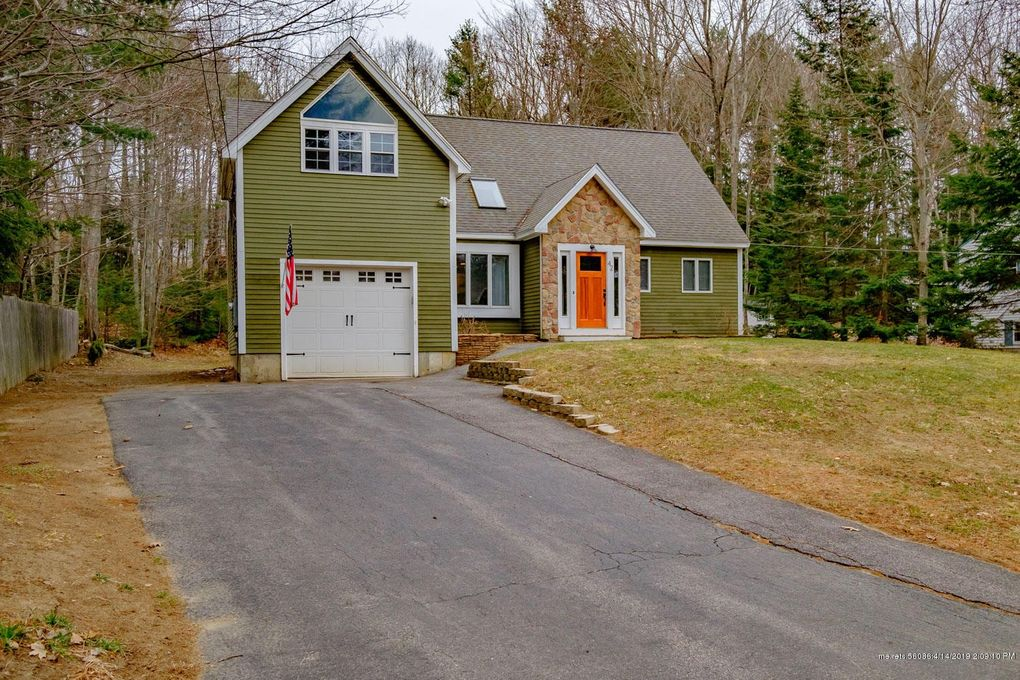 42 Date St, Old Orchard Beach, ME 04064